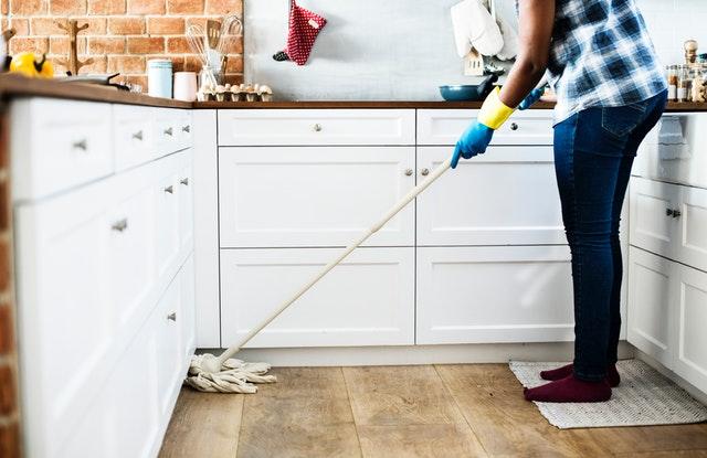 Sådan gør du rent i køkkenet - 3 effektive tips