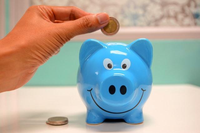 Lær dit barn om penge, opsparing og forbrug