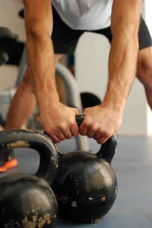 Full-body træning med kettlebells